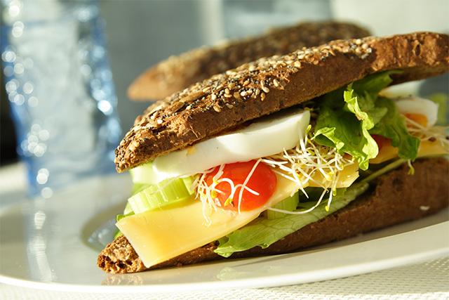 lunsj sandwich1 640px